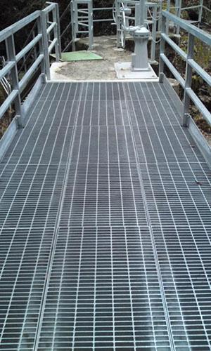 鋼製簡易橋梁