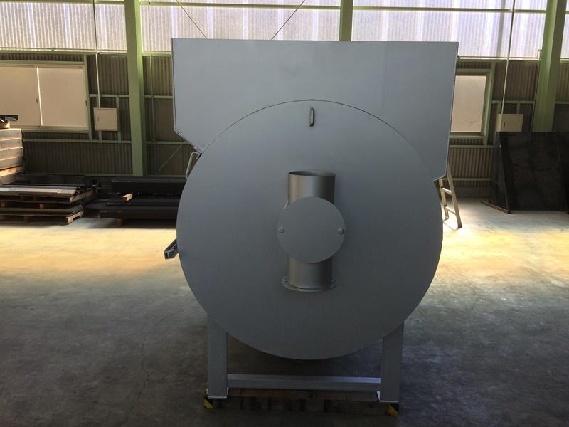 温水器(薪湯沸かし器)
